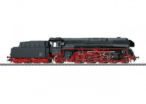 Class 01.5 Steam Express Locomotive with a Tender