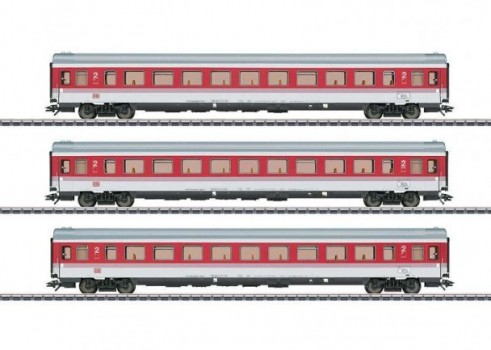 EC Tiziano: Express Train Passenger Car Set