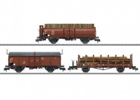 """Loading Wood"" Freight Car Set"